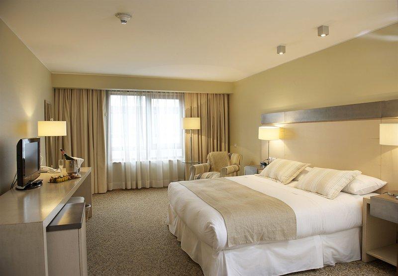 gran-hotel-colonos-del-sur-chile-chile-bufet.jpg