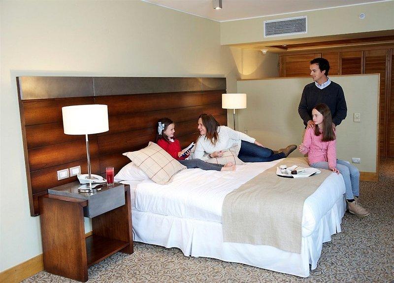 gran-hotel-colonos-del-sur-chile-chile-recepcja.jpg
