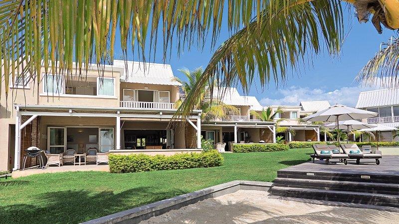 white-oaks-premium-appartements-mauritius-wybrzeze-polnocne-basen.jpg