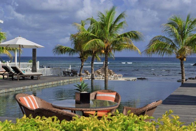 white-oaks-premium-appartements-mauritius-wybrzeze-polnocne-trou-aux-biches-ogrod.jpg