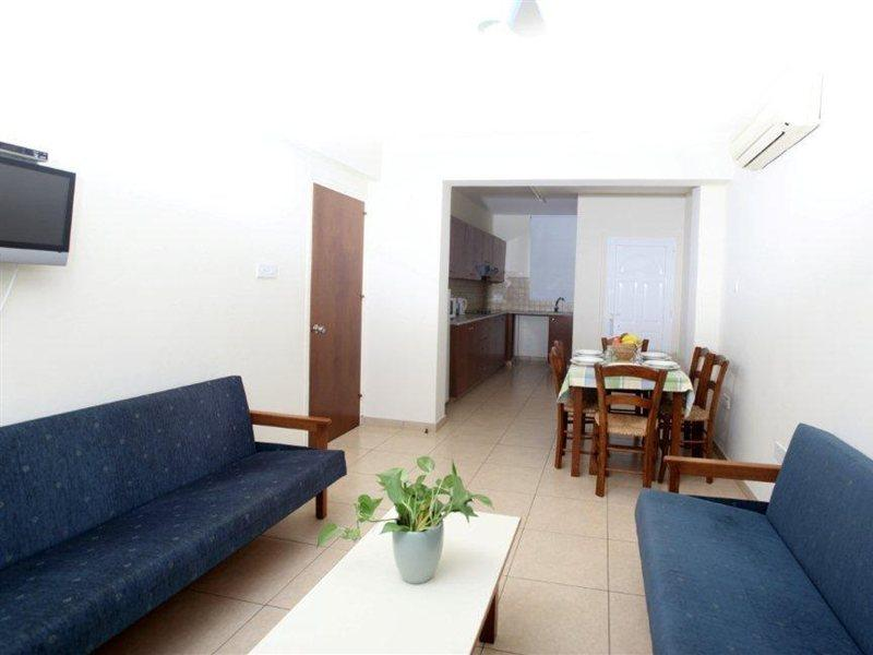 captain-karas-holiday-apartments-cypr-cypr-poludniowy-protaras-restauracja.jpg
