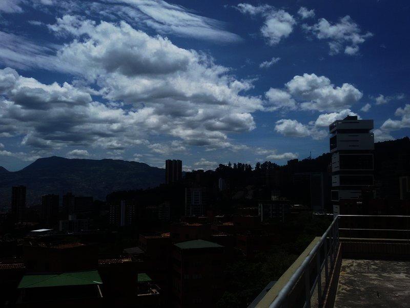 best-western-sky-medellin-kolumbia-kolumbia-budynki.jpg