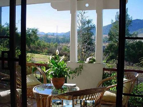 a-room-with-a-view-bed-breakfast-australia-nowa-poludniowa-walia-restauracja.jpg