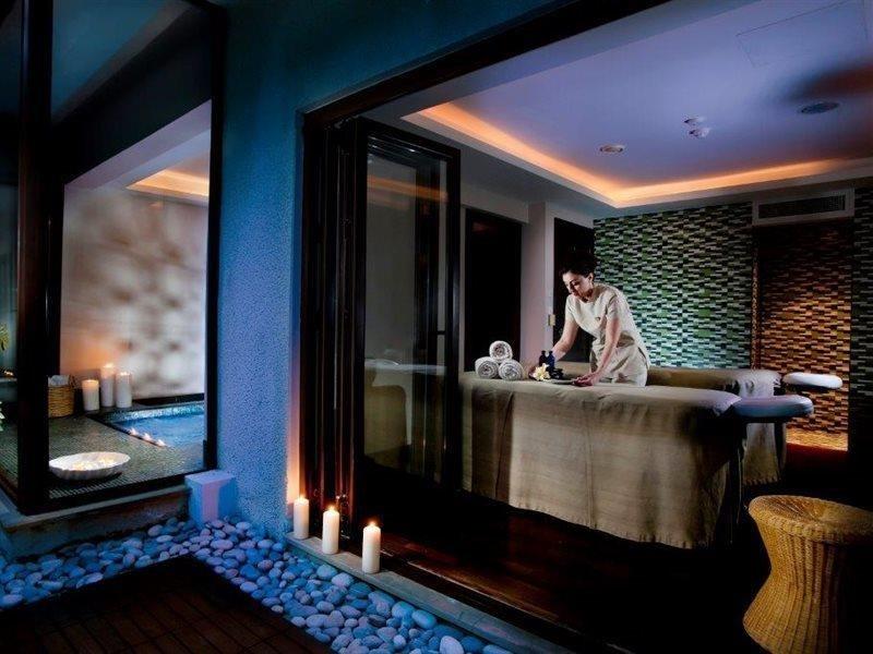 azia-club-spa-at-azia-resort-cypr-cypr-zachodni-widok-z-pokoju.jpg