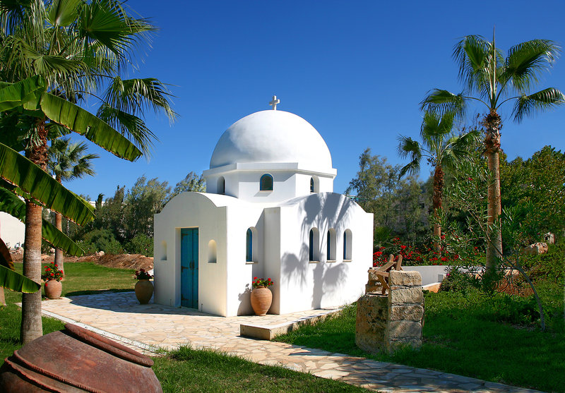 azia-blue-at-azia-resort-spa-cypr-ogrod.jpg
