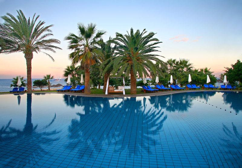 azia-resort-spa-cypr-wyglad-zewnetrzny.jpg