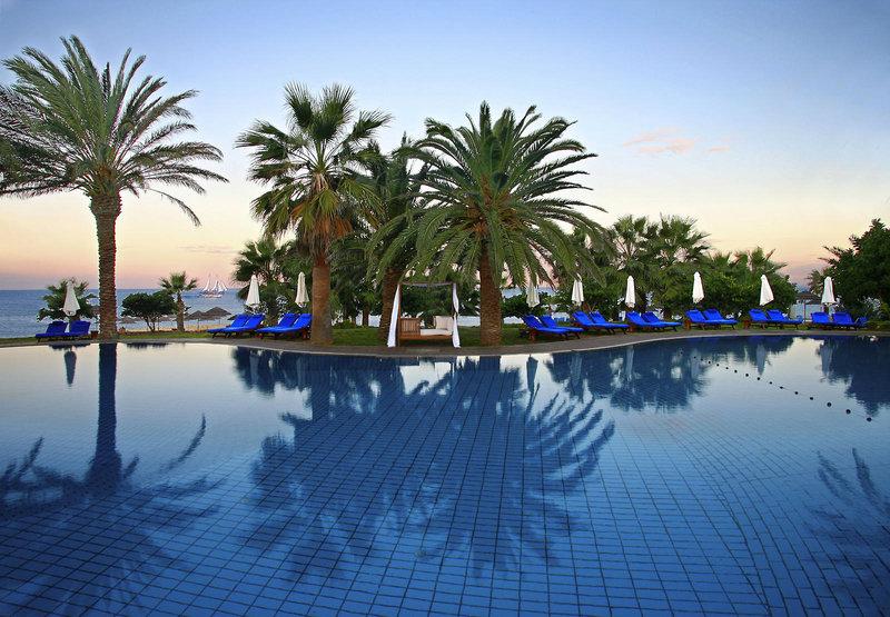 azia-resort-und-spa-cypr-cypr-poludniowy-paphos-basen.jpg