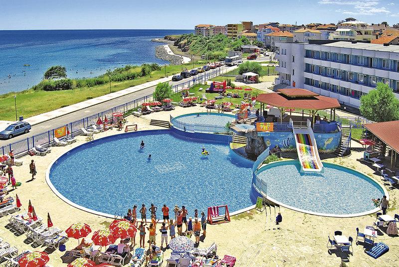perla-beach-club-bulgaria-bar.jpg