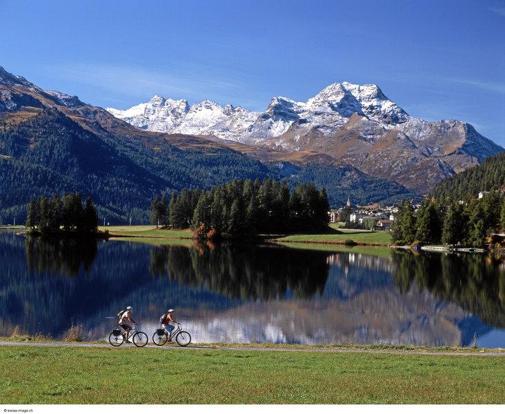 albana-szwajcaria-gryzonia-st-moritz-bufet.jpg