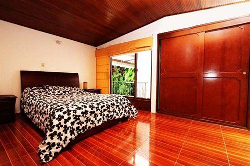 Niza Norte Apartments and Suites