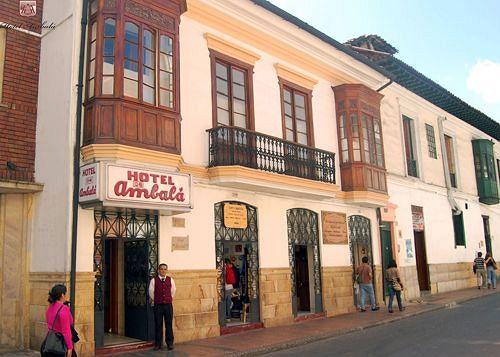 ambala-bogota-colonial-kolumbia-kolumbia-bogota-bar.jpg