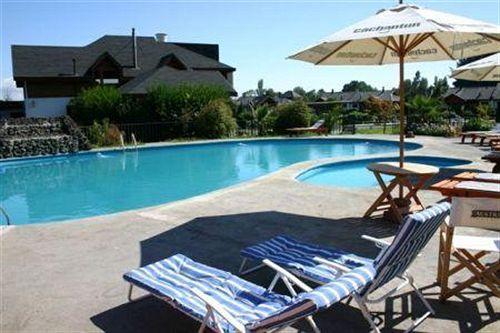 alto-villarrica-hotel-resort-chile-plaza.jpg