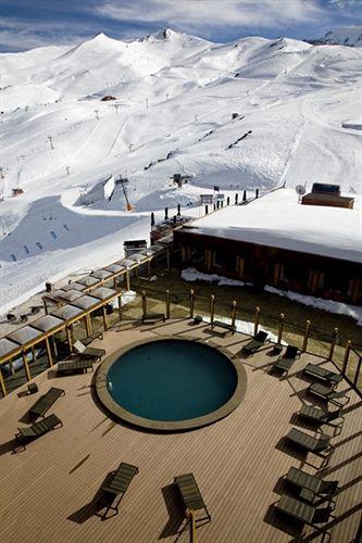valle-nevado-ski-resort-chile-chile-valle-nevado-bufet.jpg