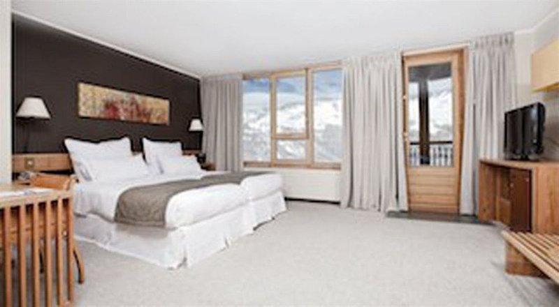 valle-nevado-ski-resort-chile-ogrod.jpg