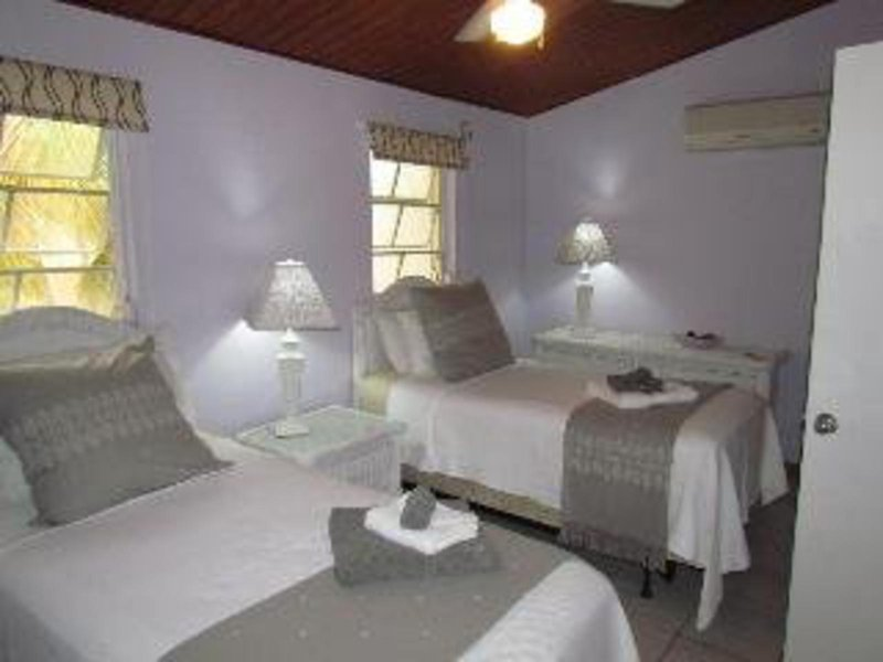hbk-villas-antigua-i-barbuda-antigua-lobby.jpg