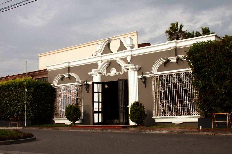 costa-del-sol-trujillo-peru-peru-restauracja-wyglad-zewnetrzny.jpg
