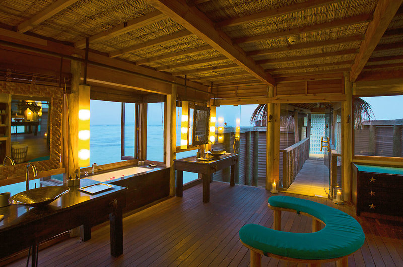 gili-lankanfushi-maldives-malediwy-atol-nord-male-bar.jpg