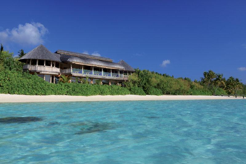 gili-lankanfushi-maldives-malediwy-malediwy-basen.jpg