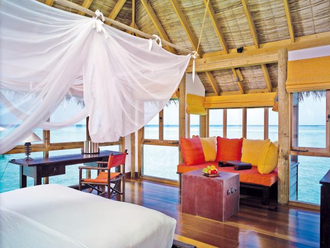 gili-lankanfushi-malediwy-atol-nord-male-basen.jpg