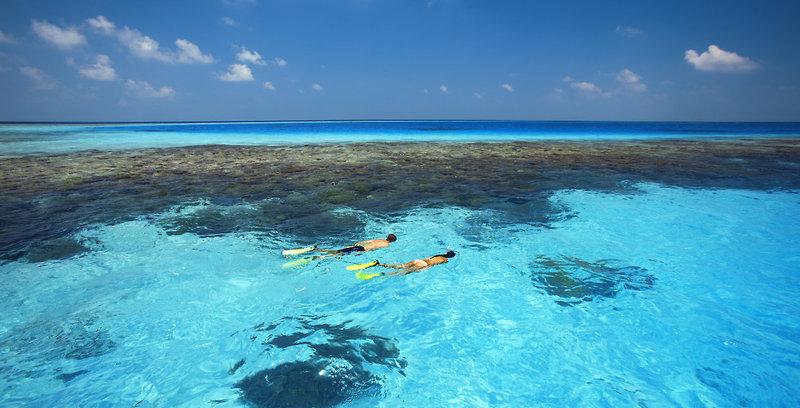 gili-lankanfushi-malediwy-atol-nord-male-plaza-recepcja.jpg