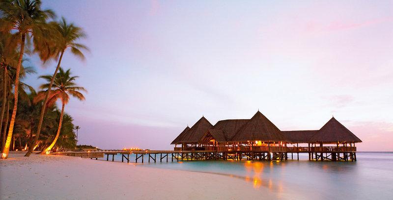 gili-lankanfushi-malediwy-bar.jpg