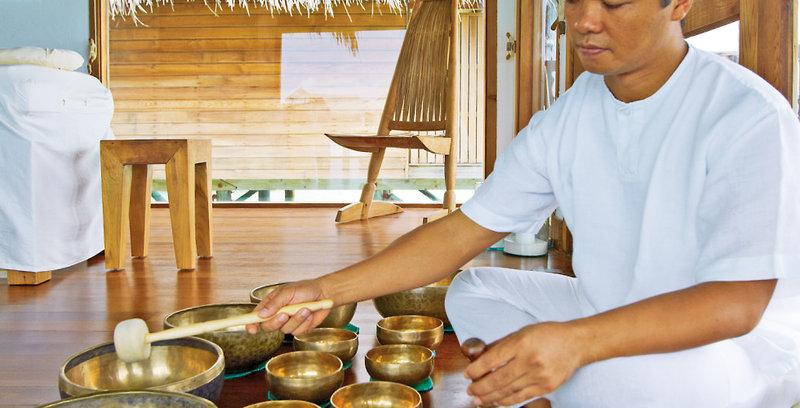 gili-lankanfushi-malediwy-plaza-recepcja.jpg