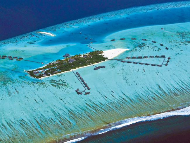 gili-lankanfushi-malediwy-widok-z-pokoju.jpg