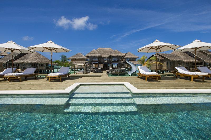 soneva-gili-malediwy-atol-nord-male-lobby-widok-z-pokoju.jpg