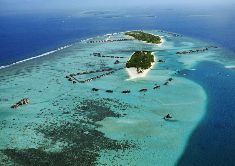 soneva-gili-malediwy-atol-nord-male-lobby.jpg
