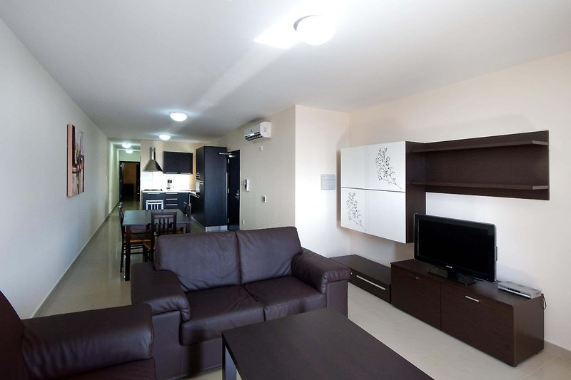 bay-view-appartements-malta-malta-sliema-bar.jpg
