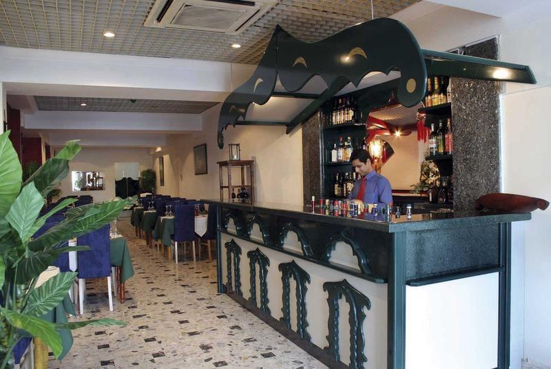 bayview-apartments-malta-malta-sliema-bar.jpg