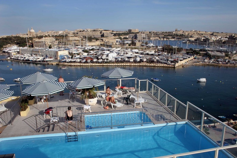 bayview-apartments-malta-malta-sliema-rozrywka.jpg