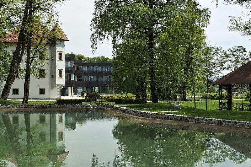 lambergh-chteau-slowenia-slowenia-begunje-na-gorenjskem-plaza.jpg