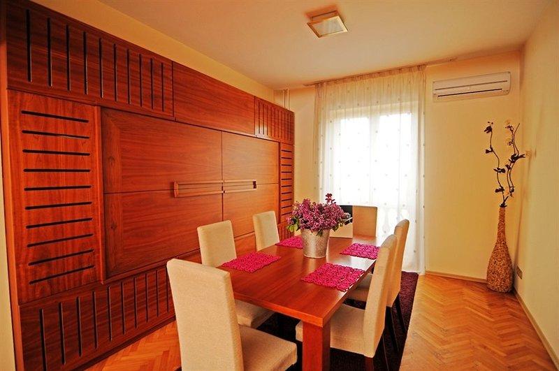 butterfly-apartment-bulgaria-sofia-i-okolice-sofia-plaza.jpg