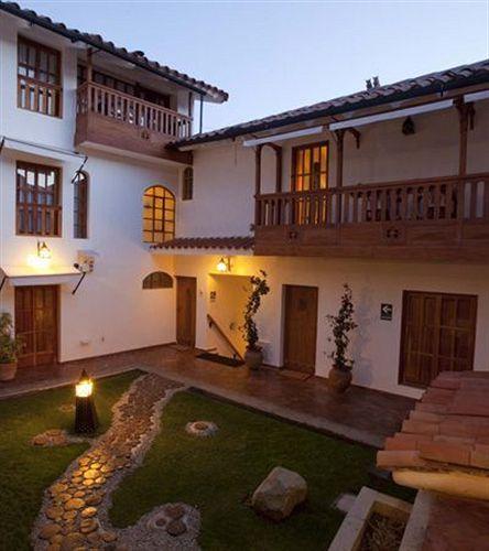 quinua-villa-boutique-peru-peru-cusco-bufet.jpg