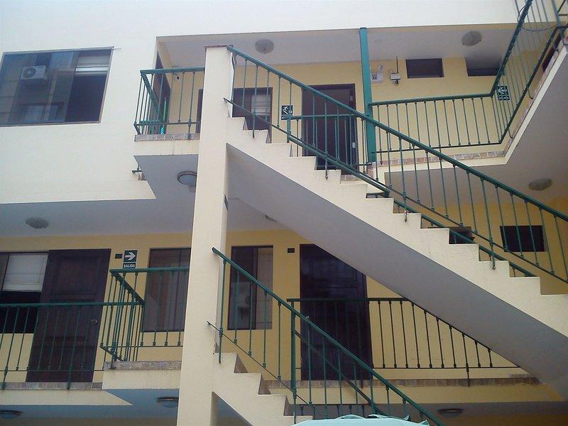 llaqta-hotel-hostel-llaqta-hotel-hostel-peru-peru-bar.jpg