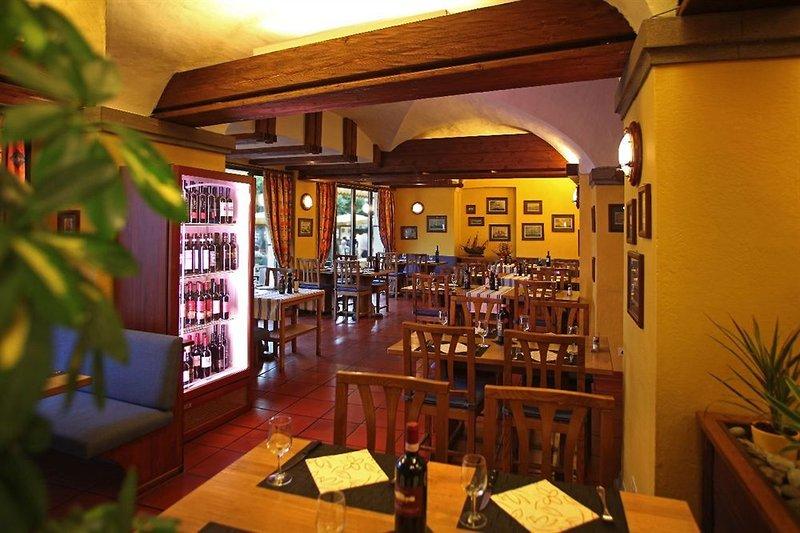 al-faro-szwajcaria-ticino-bar.jpg