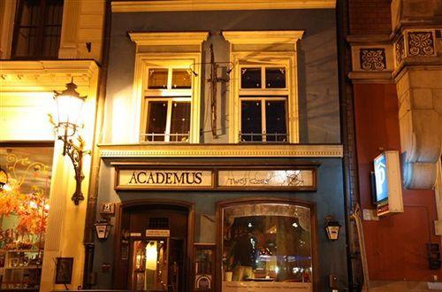 academus-pub-apartments-academus-pub-apartments-pokoj.jpg