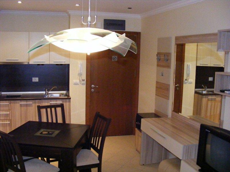dreambg-apartments-bulgaria-sloneczny-brzeg-burgas-sosopol-widok-z-pokoju.jpg