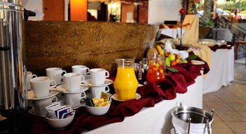 nogales-hotel-convention-center-chile-chile-santiago-de-chile-bufet.jpg