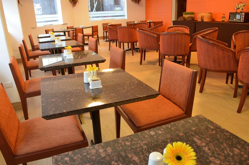 tierra-viva-puno-plaza-peru-peru-puno-restauracja.jpg