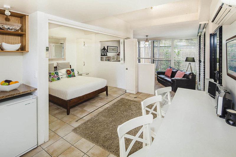 Julians Apartments