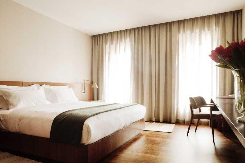 square-nine-hotel-belgrade-serbia-serbia-belgrad-wyglad-zewnetrzny.jpg