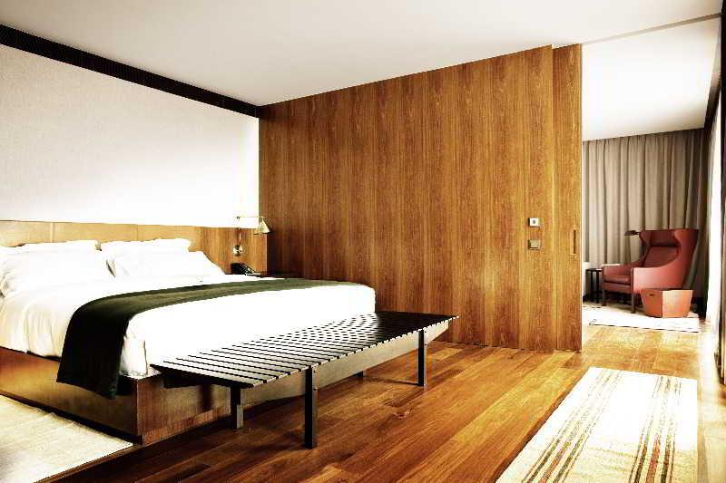 square-nine-hotel-belgrade-serbia-serbia-wyglad-zewnetrzny.jpg