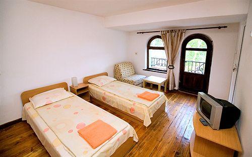 guest-rooms-plovdiv-bulgaria-bulgaria-srodkowa-plovdiv-recepcja.jpg