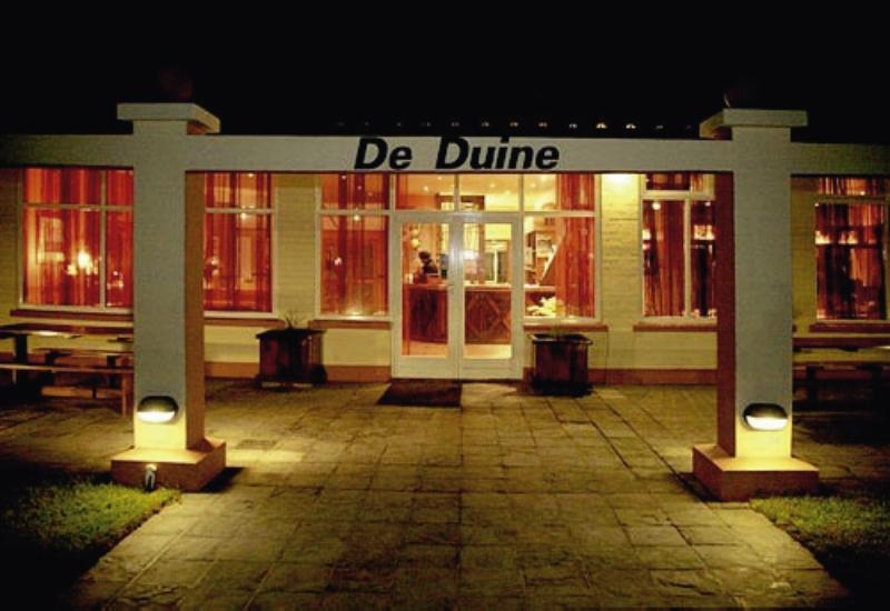 de-duine-namibia-plaza.jpg