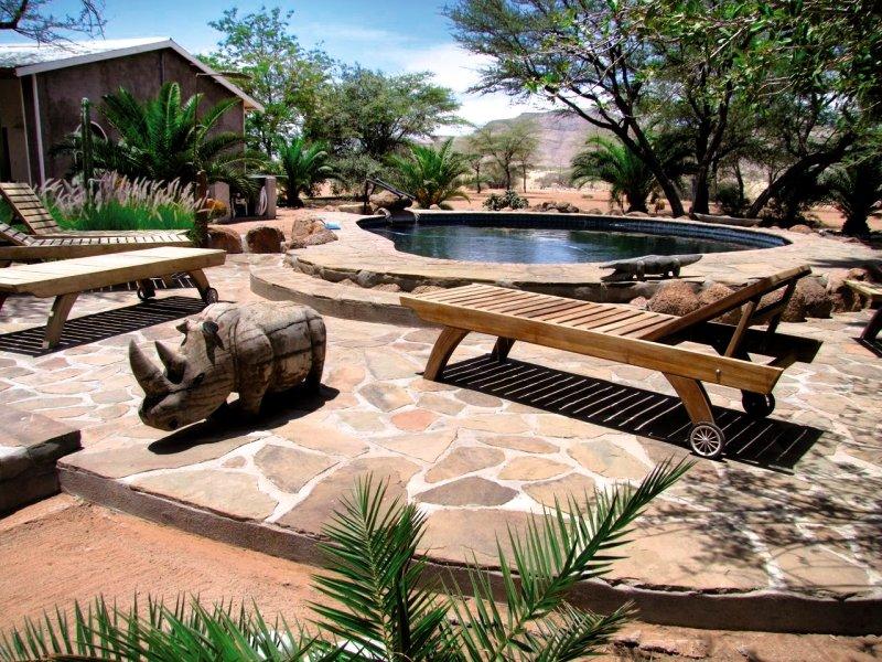 ababis-gastefarm-namibia-basen.jpg