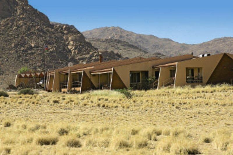 namib-naukluft-lodge-namibia-namibia-bufet.jpg