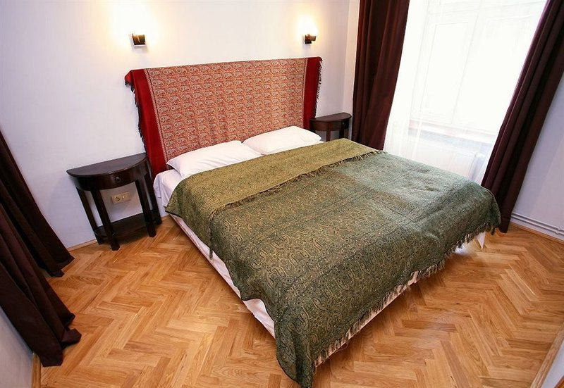 antique-apartments-asnyka-polska-polska-krakow-budynki.jpg