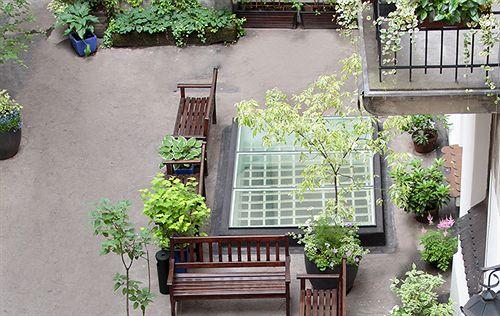 antique-apartments-slawkowska-polska-basen.jpg